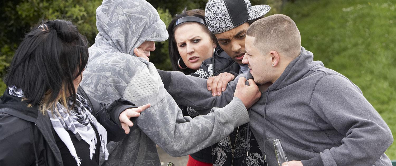 Jugendliche, Auseinandersetzung, Streit, Gewalt